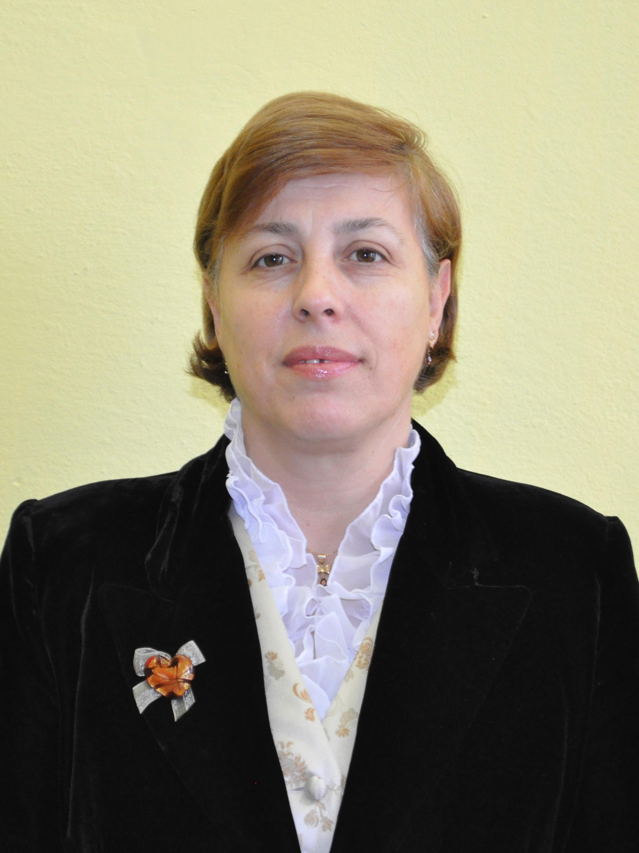 12 MIHAELA PETROV - prof. istorie